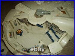 STAR WARS Millennium Falcon Spaceship Complete in ESB Box Vintage Figure Kenner